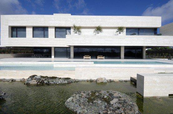 Casa minimalista 104 for Casa de lujo minimalista y espectacular con piscina por a cero