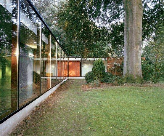 Fachada de una casa con paredes de vidrio casas y fachadas - Pared de vidrio ...