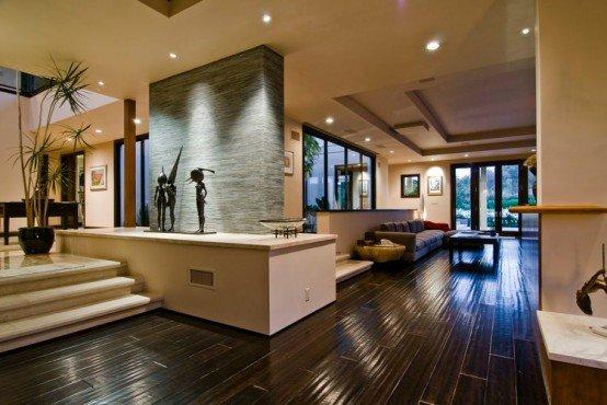 Por qu la mayor a de casas en per son tan huachafas for Big modern house tour