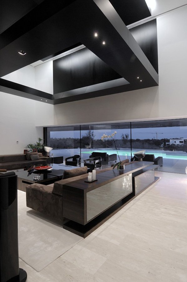 Arquitectura moderna residencia con l neas sensacionales for Casa minimalista definicion