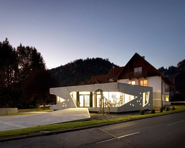 Fachadas de oficinas modernas casas y fachadas for Fachadas oficinas minimalistas