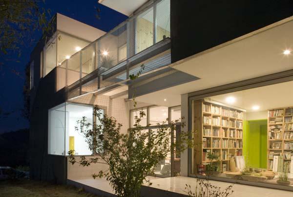 Residencia familiar en corea del sur la casa agrietada for Casa moderna corea