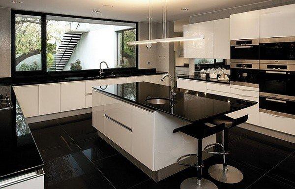 Casa contempor nea en chile construido alrededor de un jard n con rboles nativos casa fray Leon house kitchen design