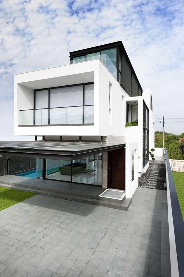 fachadas con forma y volumen de planos lineales casa