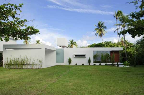 Casa minimalista funcional y eficiente casa carqueija en for Casas modernas brasil