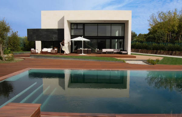Gomez-Residence-by-Marta-González-Architects-1