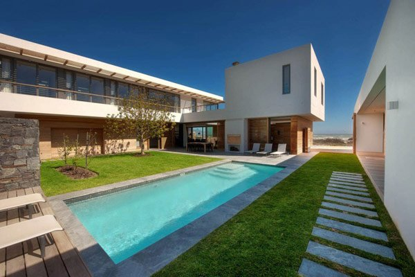 architecture-big-bay-modern-residence 1