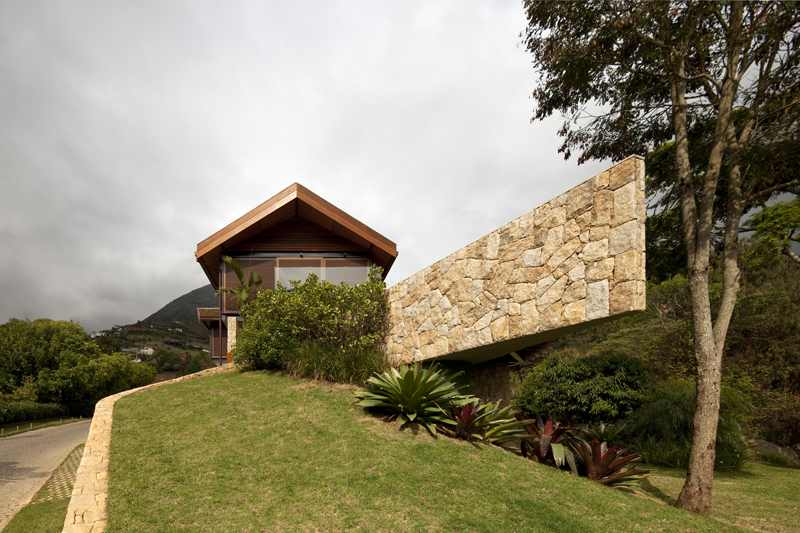 Project-House-in-the-Hills 1