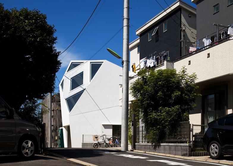 Monoclinic-House 2