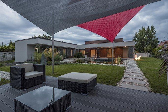modern-garden-pond-house-20