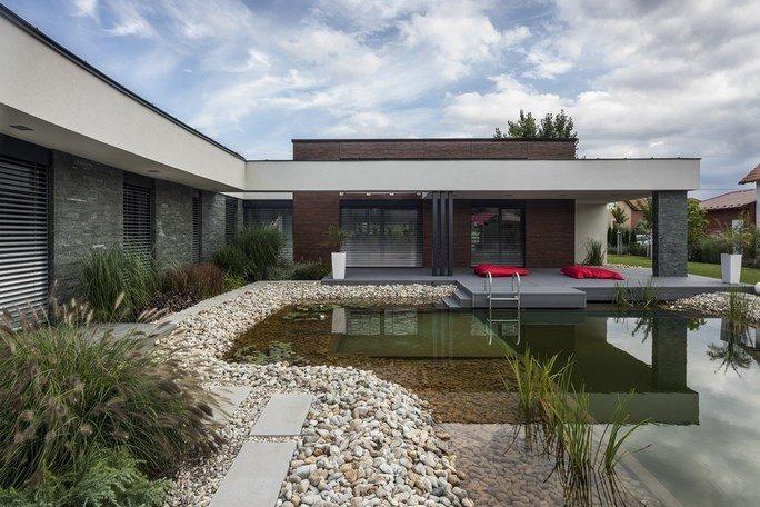 modern-garden-pond-house-5