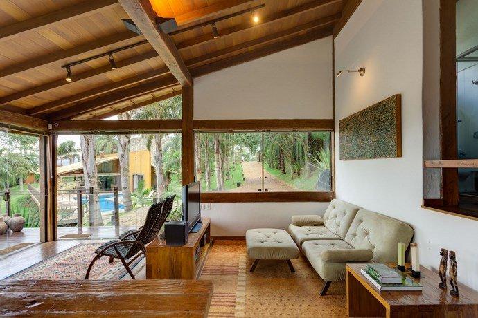 Contemporary-home-exotic-10