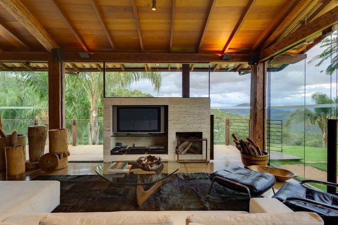 Contemporary-home-exotic-9