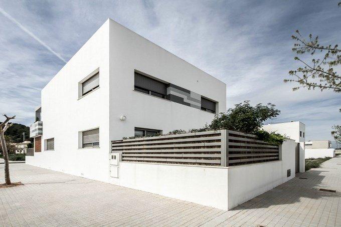 V02-house 4