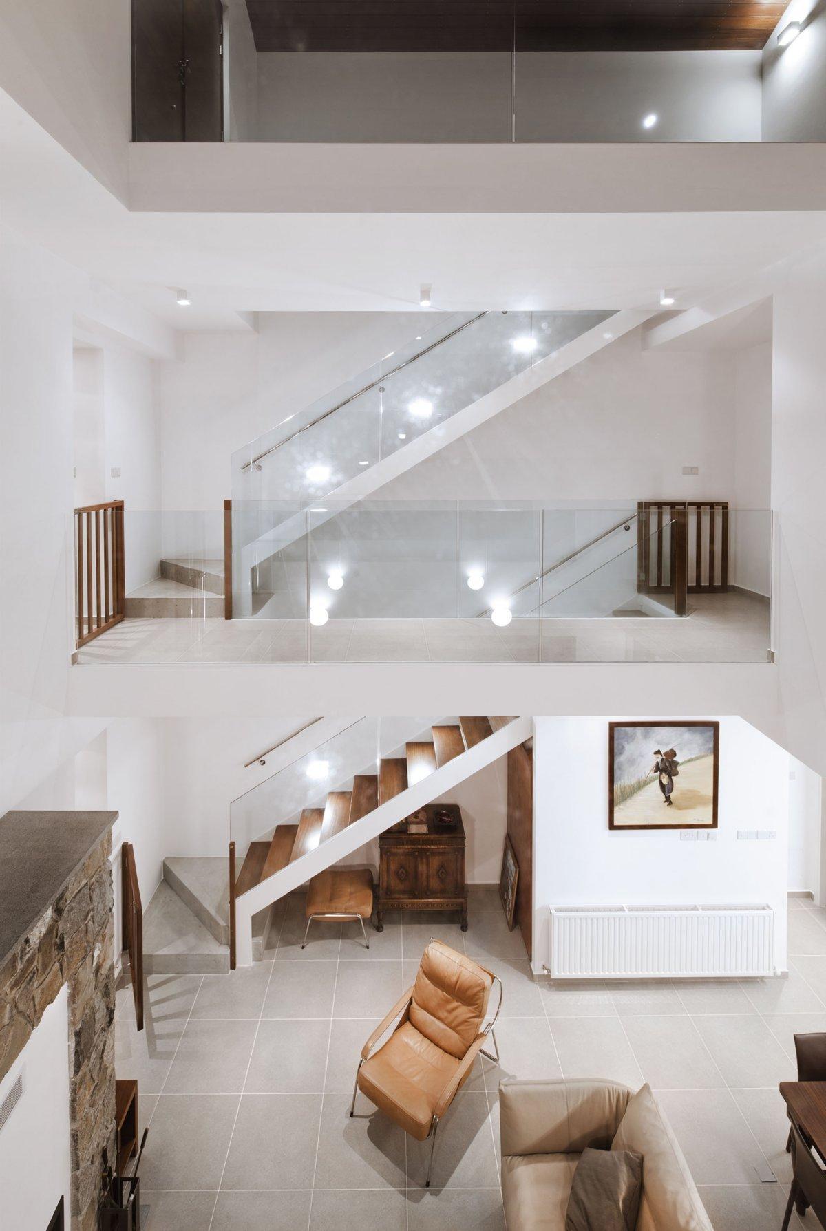 Modern-home-in-Cyprus-by-VARDAstudio-7