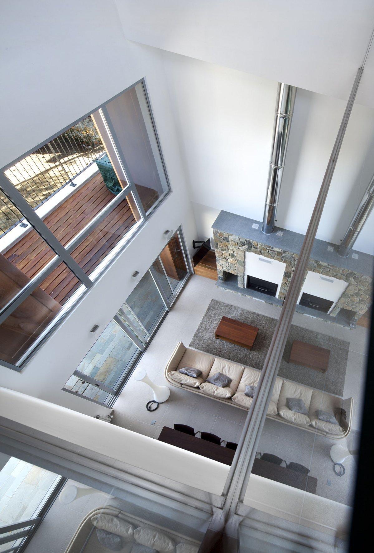 Modern-home-in-Cyprus-by-VARDAstudio-9