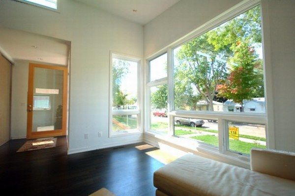 modern-small-prefab-house-4-554x368