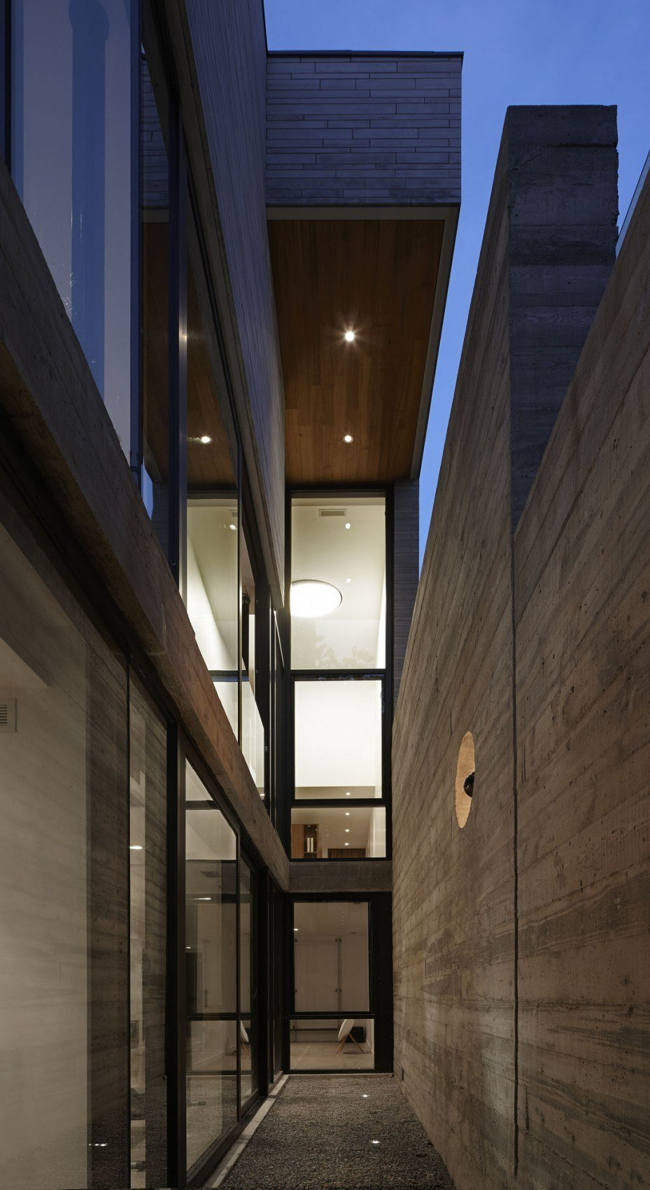 Moore-Park-Residence-by-Drew-Mandel-Architects-10