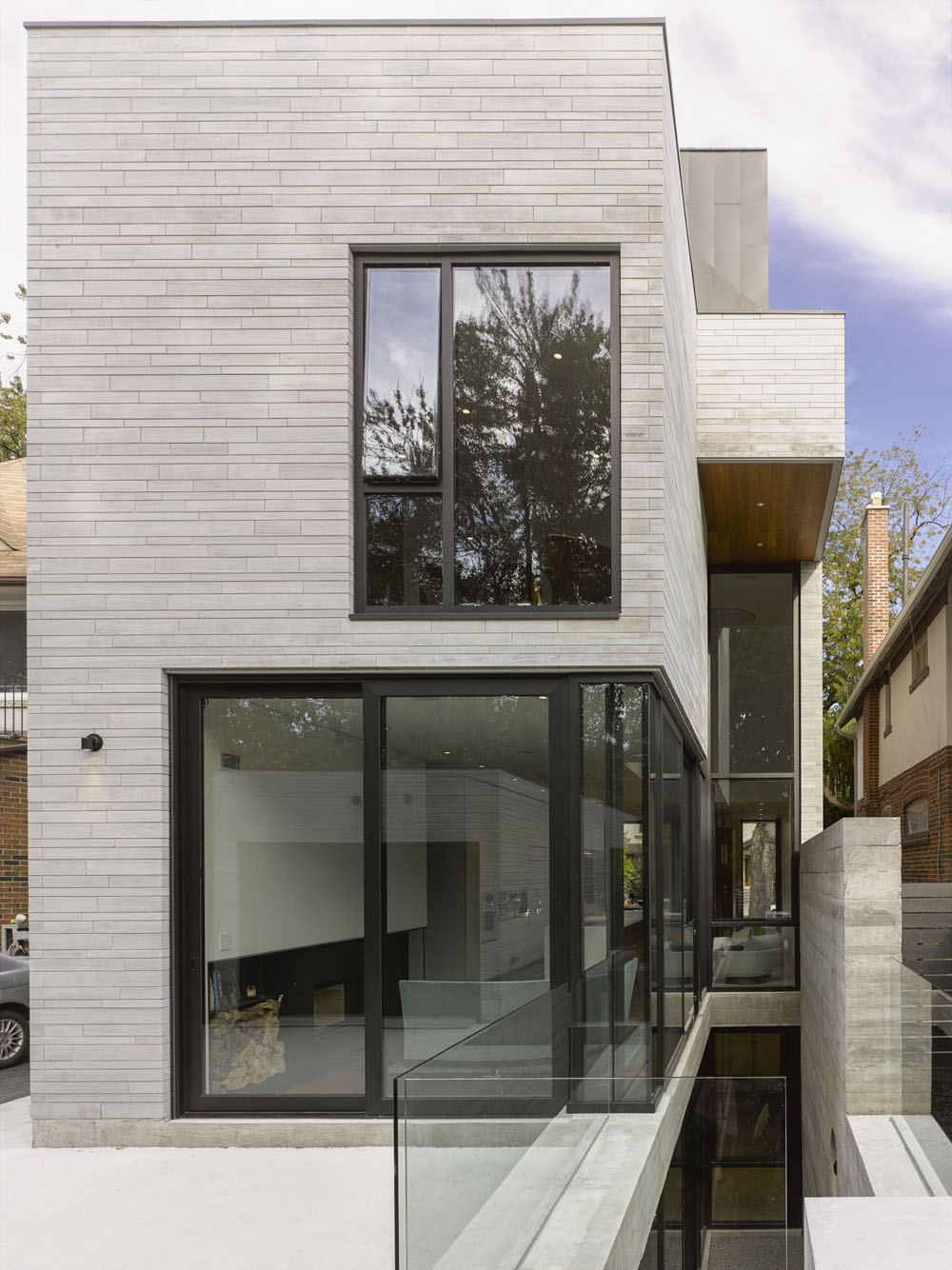 Moore-Park-Residence-by-Drew-Mandel-Architects-12