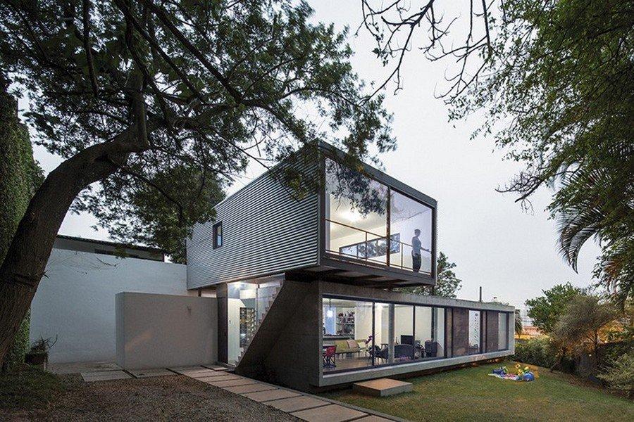 Casa en Brasil presentación de una fachada minimalista Casa LP