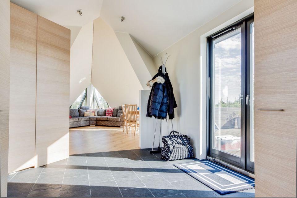 contemporary house (9,2)