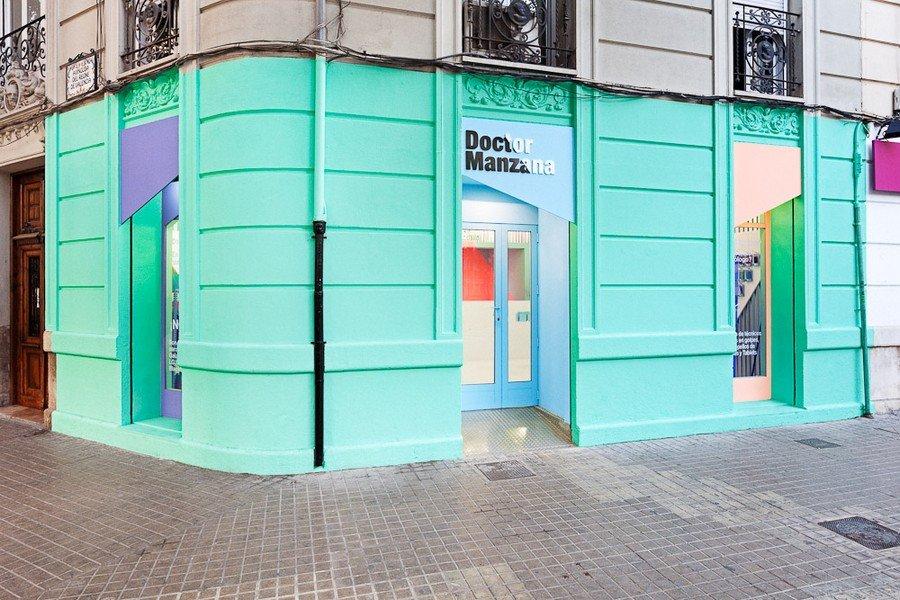 Smartphone-store-design2