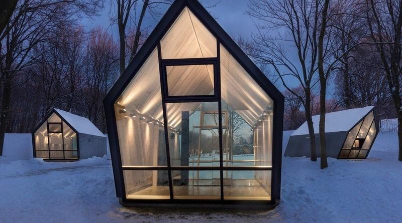 Casas pequeñas  inclinadas en Canadá inspiran un sentido de movimiento